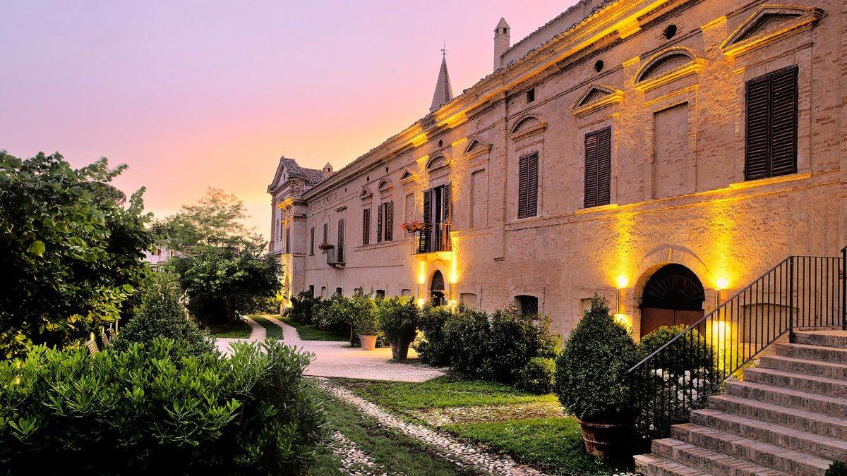 Soggiorni relax e gourmet al Castello di Semivicoli   Vino&Stile