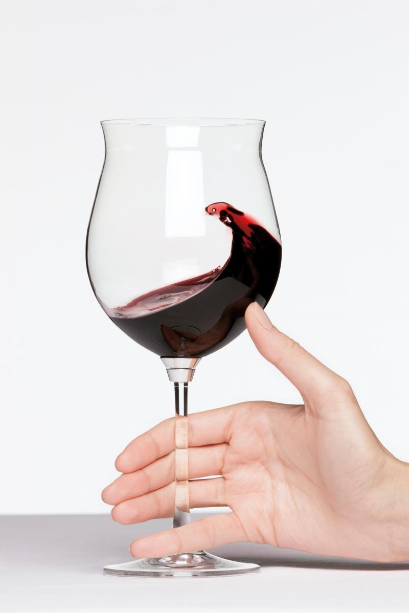"""""""Gira e rigira"""", il calice che rivoluziona il modo di analizzare e degustare il vino."""