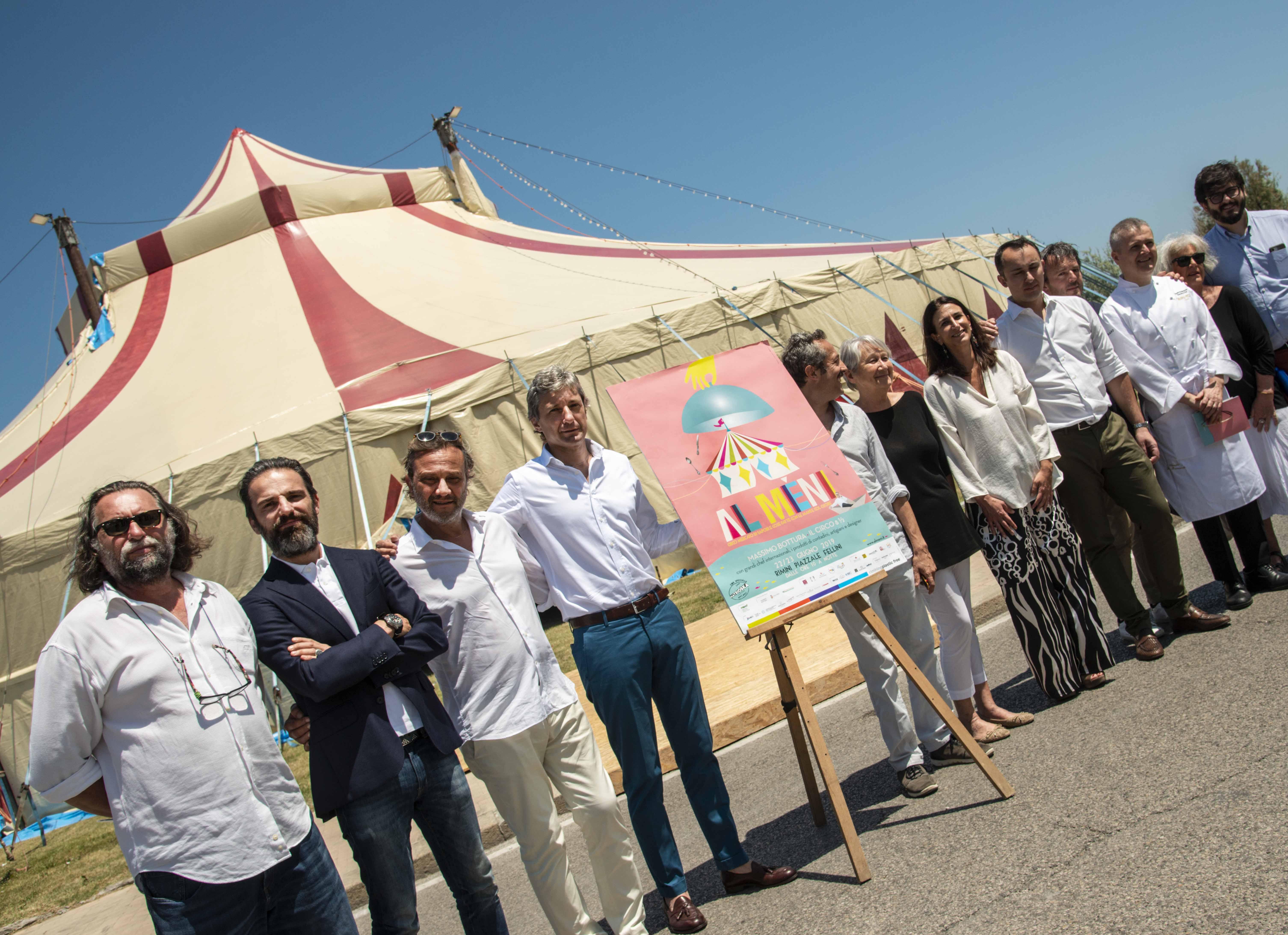 """Tutto pronto per """"Al Meni"""": Massimo Bottura  con i grandi chef nel circo dei sogni di Fellini"""