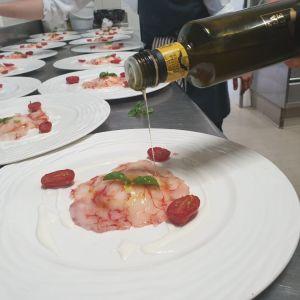 Olio Riviera Ligure Dop in tavola con le tipicità delleLanghe
