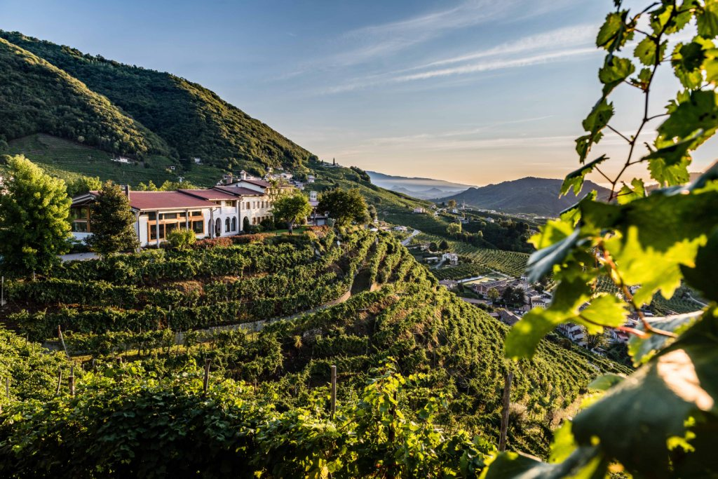 Vinibuoni d'Italia 2020 assegna due Corone  al Valdobbiadene DOCG brut 'Dosaggio Zero' 2018 di Col Vetoraz