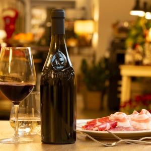 L'Oltrepò Pavese territorio di vigne e di identità: testimoni i 16 produttori di Buttafuoco Storico, vino icona diqualità