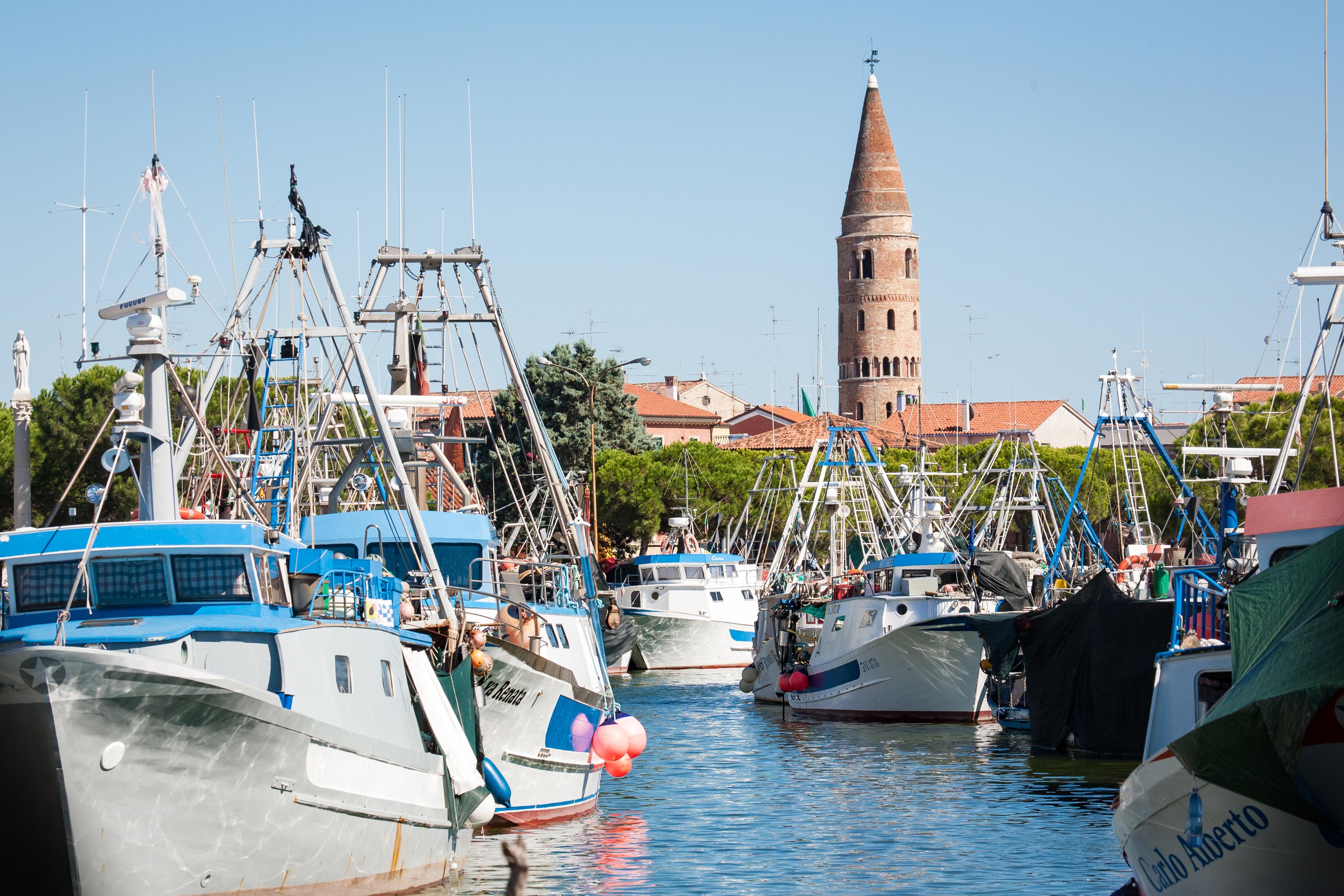 Caorle e la tradizione della pesca: da antico villaggio di pescatori a borgo marinaro senza tempo