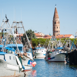 Caorle e la tradizione della pesca: da antico villaggio di pescatori a borgo marinaro senzatempo
