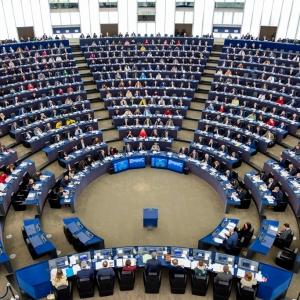 Parlamento Europeo: 1000 pasti al giorno per gli operatori sanitari e le persone indifficoltà
