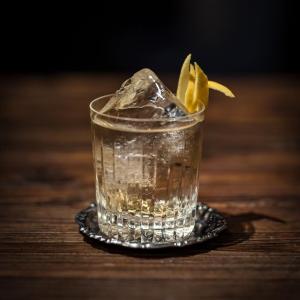 Il 9 aprile è l'International Gin Tonic day: l'Archivio Storico di Napoli celebra la ricetta perfetta anche acasa