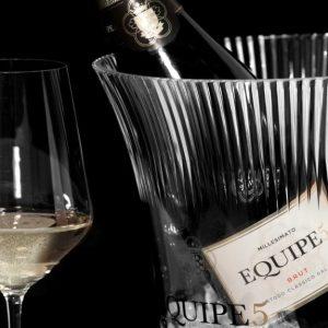 Nuova etichetta per Equipe5, il celebrato spumante metodo classico di Cantina diSoave