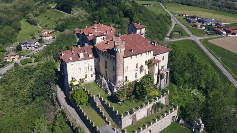 """Grazie all'e-commerce la cantina vitivinicola """"Centovigne – Castello di Castellengo"""" riesce a contrastare l'emergenza"""